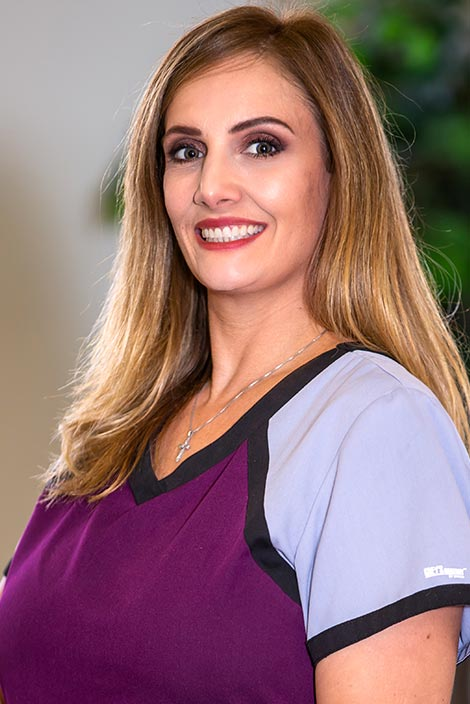 Shelly – Registered Dental Hygienist at the Bruce Gopin, DDS, MS